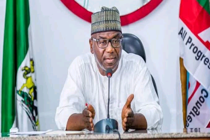 Governor AbdulRahman of Kwara State,  imposed curfew on Offa and Erinle towns