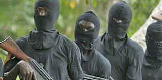 Seven persons including five military officers allegedly killed by armed bandits in Niger state.