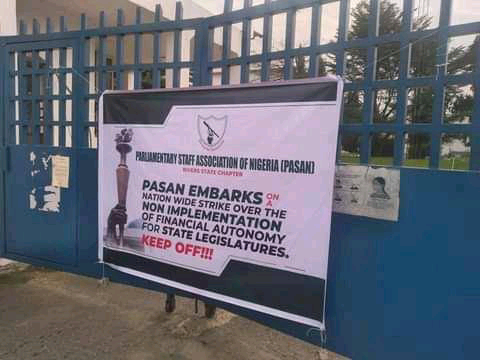 Kebbi State Chapter PASAN, has joint the nationwide strike by shutting down the state house of assembly